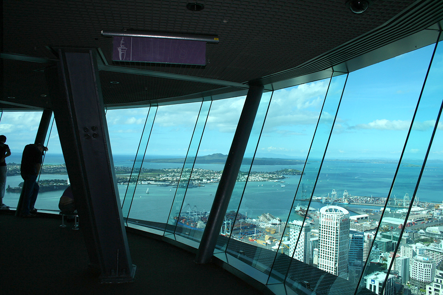 Auckland's Sky Tower, Новая Зеландия